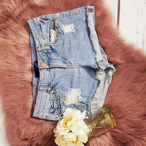 TINSEL JEAN STUDDED SHORTS SZ 27